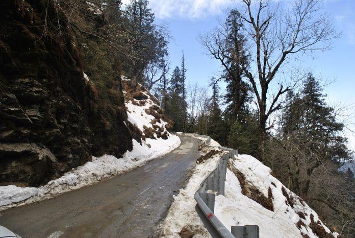 Jalori Pass Snow